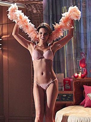 Mariana Rios grava de lingerie (Foto: Encontro com Fátima Bernardes/ TV Globo)