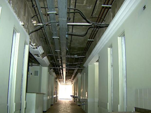 Hospital Estadual de Serrana, SP,  (Foto: Reprodução/ EPTV)