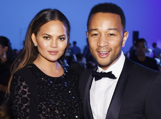 O casal Chrissy Teigen e John Legend (Foto: Dimitrios Kambouris/Getty Images)