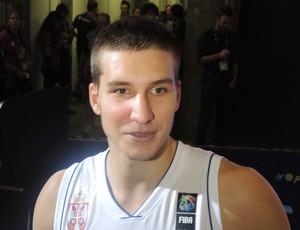 Bogdan Bogdanovic fez 21 pontos contra a Grécia (Foto: Fabio Leme)