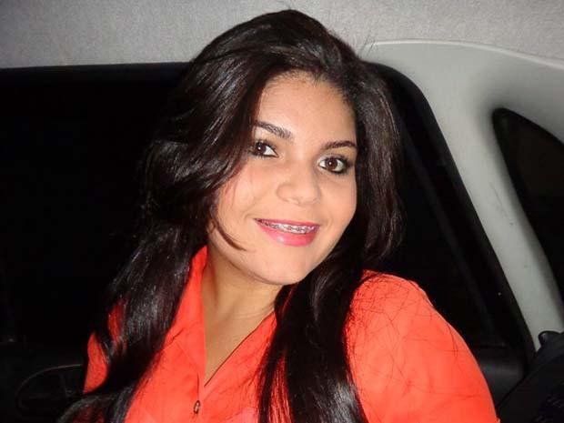 Diana Lima foi socorrida, mas morreu a caminho do hospital (Foto: Reprodução/Facebook)