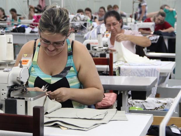 fdba07ccf3 Confecções de Andradas abastecem mercado plus size em todo país. (Foto   Jéssica Balbino