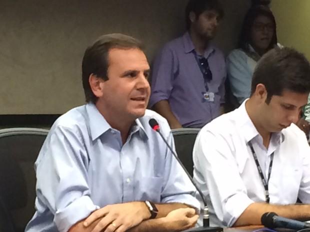 Eduardo Paes em coletiva sobre o esquema de trânsito durante os Jogos de 2016 (Foto: Cristina Boeckel/G1)