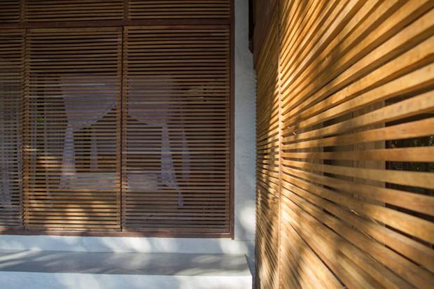 Casa em Itacaré sem divisórias para donos contemplarem a natureza (Foto: Patrick Armbruster/Divulgação)
