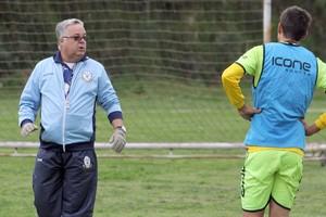 Josué Teixeira, Macaé treina no Estádio Centenário (Foto: Tiago Ferreira)