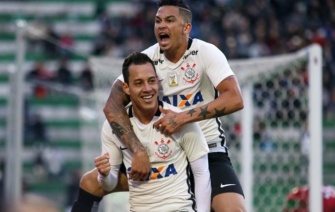 Rodriguinho comemora gol do Corinthians (Foto: Jardel da Costa/Futura Press)