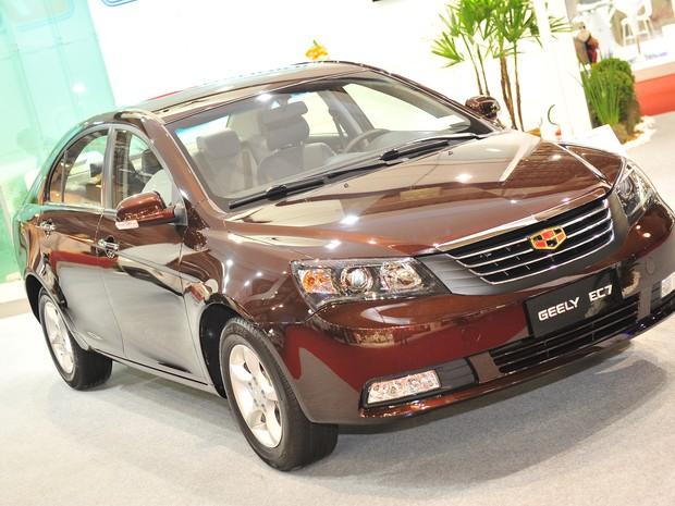 Auto Esporte Chinesa Geely Estreia Carros No Brasil Pensando Como