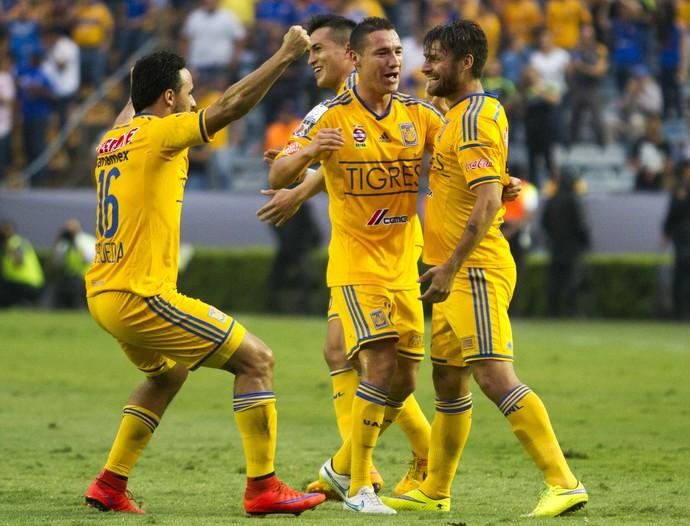 Rafael Sobis - Tigres x Emelec (Foto: AFP)