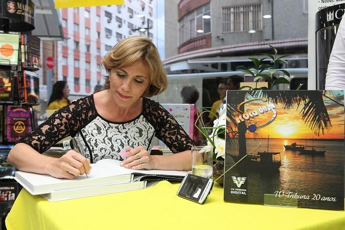 Rosana Valle no lançamento do livro 'Rota do Sol' em Bertioga (Foto: José Luiz Borges)