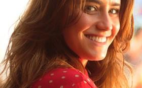 Fernanda Vasconcellos revela ser muito diferente de Ana