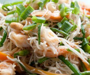 Como fazer pad thai, tradicional macarrão de arroz tailandês