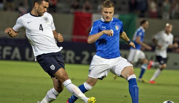 Inglaterra e Itália jogam pela fase de grupos da Copa do Mundo (Foto: AFP)