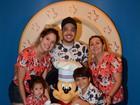 Wesley Safadão e Thyane Dantas mostram álbum de viagem à Disney