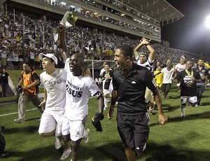 ABC 100 anos - Ricardo Oliveira - capitão do ABC campeão brasileiro Série C 2010 - comemoração (Foto: Canindé Soares)