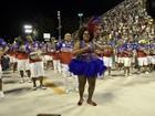 Cacau Protásio chama a atenção em ensaio da escola União da Ilha no Rio