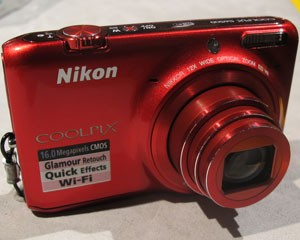 Câmera digital da Nikon (Foto: Daniela Braun/G1)
