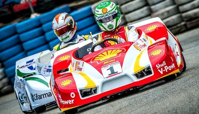 Nelsinho Piquet homenageia a Chapecoense nas 500 Milhas de Kart