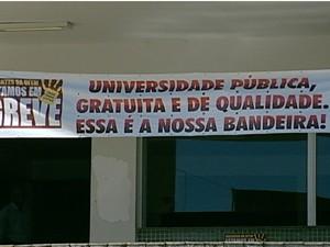 A UFTM completa quase três meses de greve (Foto: Reprodução/TV Integração)