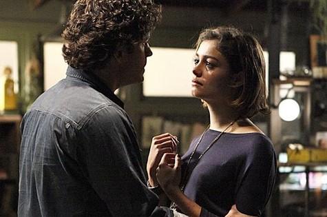 Bento (Marco Pigossi) e  Amora (Sophie Charlotte) (Foto: Reprodução)