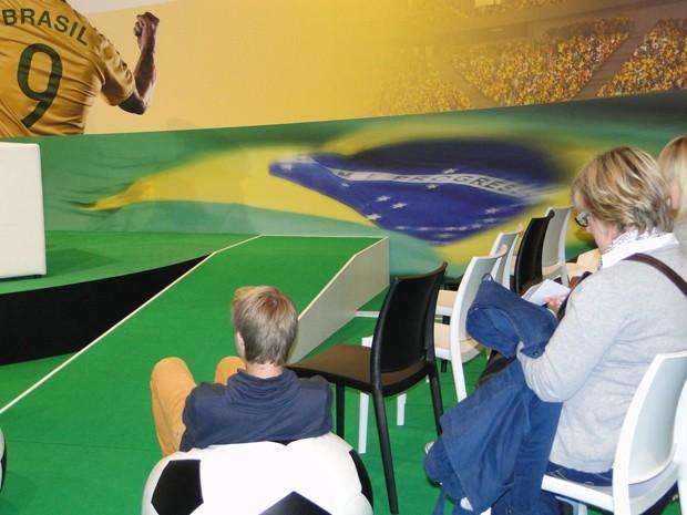 Sala de debate sobre futebol na Feira do Livro de Frankfurt, na Alemanha (Foto: Raquel Freitas/G1)