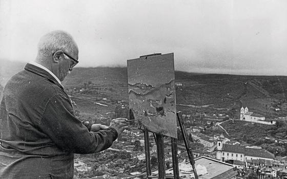 O pintor Alberto Guignard em Ouro Preto (MG),EM 1962,ano de sua morte (Foto:   Luiz Alfredo/Arquivo O Cruzeiro/EM/D.A Press)