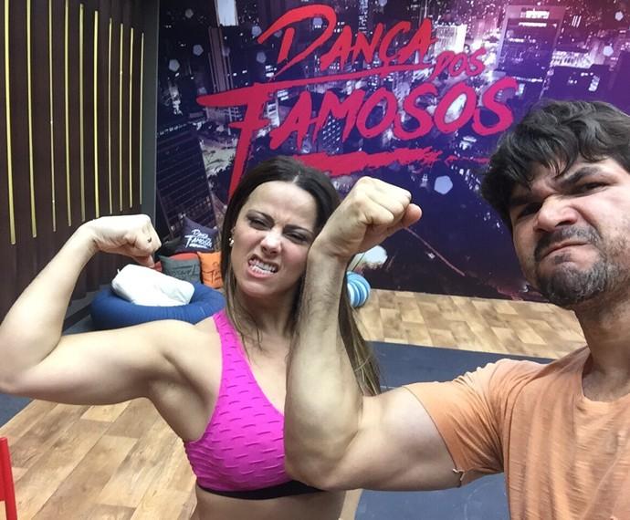 Viviane Araújo e Marcelo Grangeiro estão em sintonia e preparados para a salsa (Foto: Arquivo Pessoal)