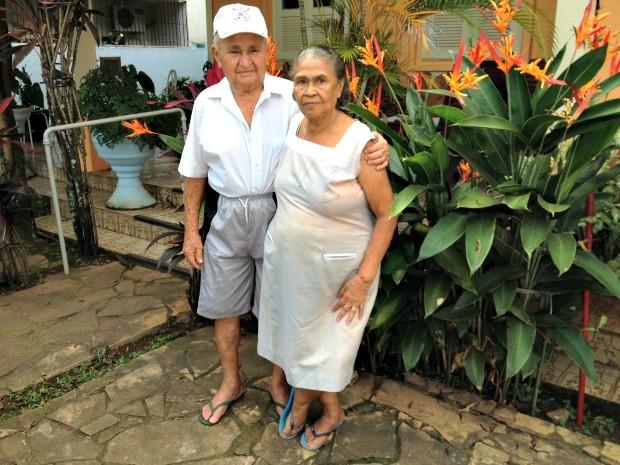 Justino e Joana são casados há 63 anos e dizem que todo dia é Dia dos Namorados (Foto: Larissa Matarésio/G1)