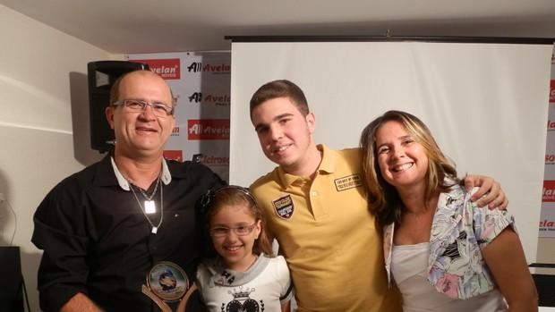 Galego dividiu a satisfação profissional com a família (Foto: Vieira Neto/Divulgação)