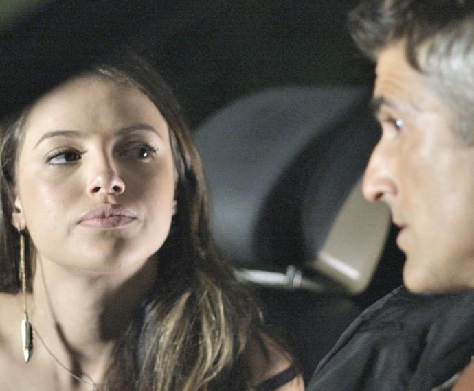 Giovanna conversa com Anthony sobre seu plano (Foto: TV Globo)