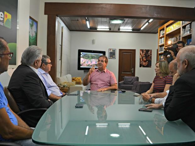 Nova diretoria da Rede Amazônica se reuniu com o governador Tião Viana na tarde desta quinta-feira (5) (Foto: Caio Fulgêncio/G1)