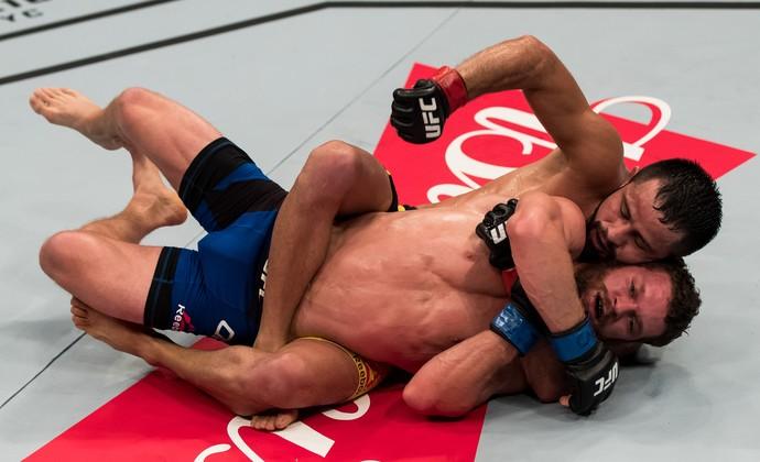 Jussier Formiga Dustin Ortiz UFC Brasília (Foto: Getty Images)