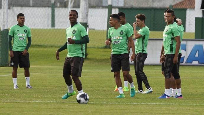 Treino, Coritiba, Iago (Foto: Antônio More/Gazeta do Povo)