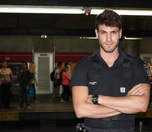 Guilherme Leão ganhou fama repentina após suas fotos circularem na web (Foto: Nathalia Tavolieri / Época)