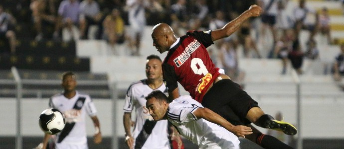 Ponte Preta x Botafogo Moisés Lucarelli (Foto: Rogério Moroti / Agência Botafogo)