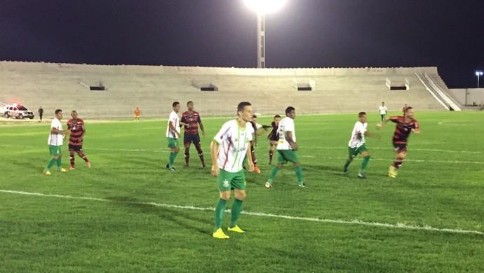 Campinense x Baraúnas, Amigão (Foto: Silas Batista / GloboEsporte.com)