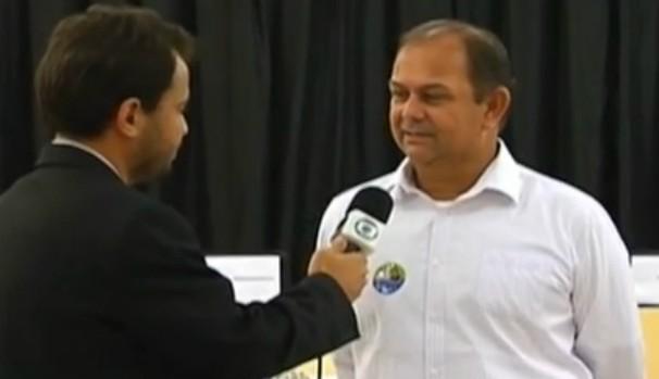 O candidato Donaldo Rosa Pires é o atual vice-reitor e pleiteia a vaga de reitor da UFVJM. (Foto: Reprodução Inter TV)