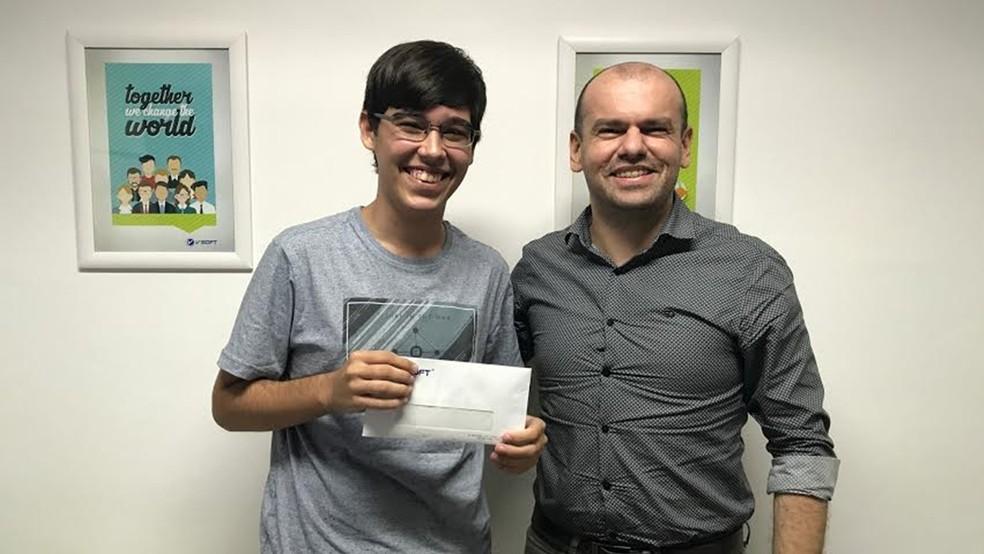 Com 18 anos, Ícaro foi premiado com R$ 2 mil e recebeu convite para estágio (Foto: Ícaro Dantas / Arquivo Pessoal)