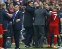 Simeone dá tapa em delegado por demora em autorizar substituição