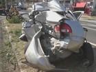 Motorista fica ferida após carro ser atingido por caminhão sem freio