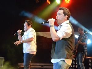João Bosco e Vinícius cantam no Show de Verão em Campo Grande (Foto: Laura Toledo/G1MS)