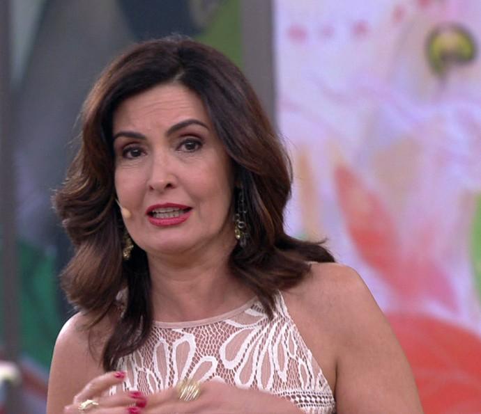Fátima Bernardes agradece o ano de 2016 (Foto: TV Globo)