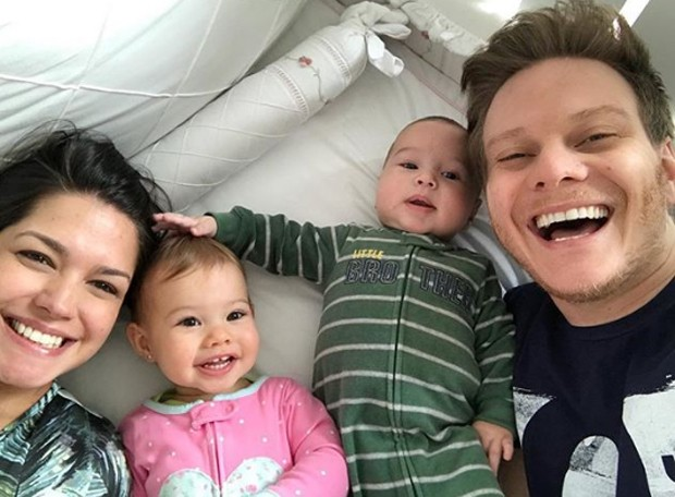 Thais Fersoza, Melina, Teodoro e Michel Teló (Foto: Reprodução / Instagram)
