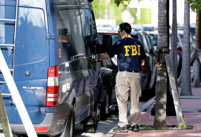agentes FBI prédio concacaf Escândalo FIFA (Foto: Agência AP)
