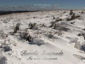 Capa do livro traz paisagem coberta de neve. (Foto: Phillipe Debled/Divulgação)