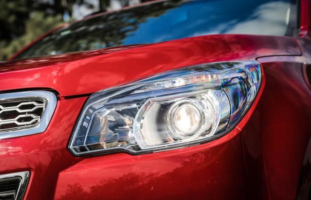 Farol da Chevrolet S10 High Country (Foto: Rafael Munhoz / Autoesporte)