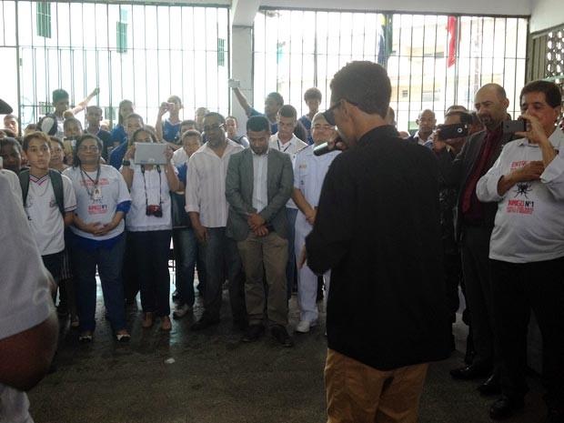 Secretários de Educação e Saúde do estado participaram da mobilização (Foto: Juliana Almirante/G1)