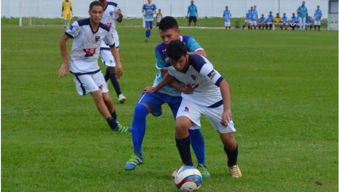 Rondoniense e Espigão na final do Campeonato Juvenil  (Foto: Alexandre Almeida/ arquivo pessoal)