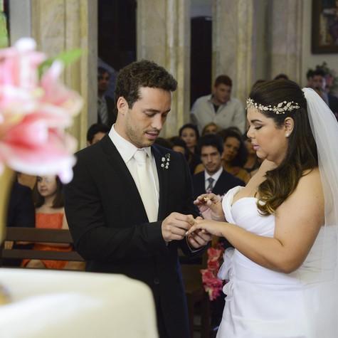 Rodrigo Andrade e Fabiana Karla em cena (Foto: Raphael Dias/ TV Globo)