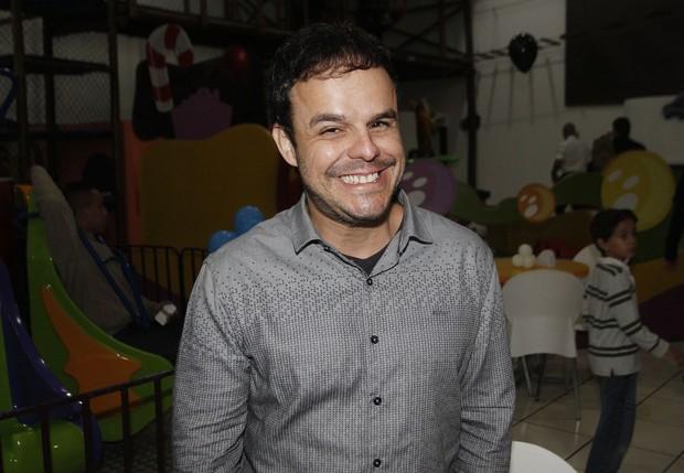 Adrilles Jorge ex-BBB 15 no aniversário do filho da Angélica Ramos ex-BBB 15 (Foto: Celso Tavares / EGO)