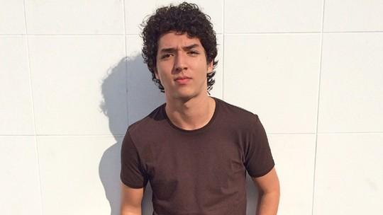 João Vitor Silva diz que teve auxílio médico para cena de overdose de Bruno